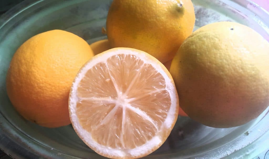 natural cleaners like these lemons