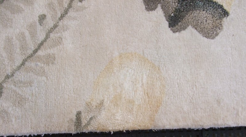 risk of yellowing when steam clean a rug made of viscose